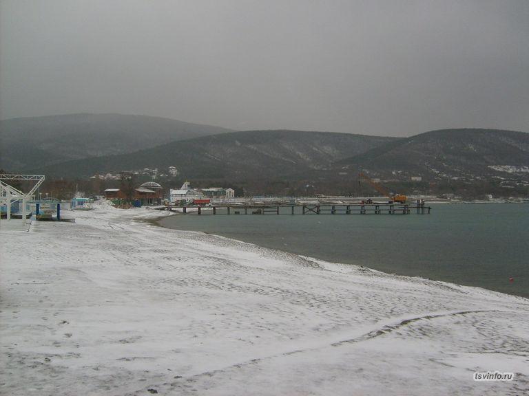 Пляж в снегу